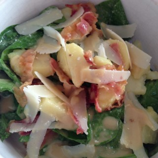 Warme Aardappelsalade met Spinazie, Bacon en Parmezaanse Kaas