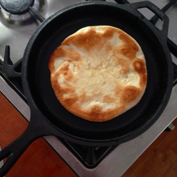 Pita kip gyros met feta frietjes