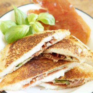 Mozzarella in carrozza - Mozzarella Tosti